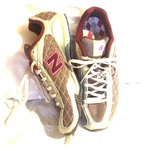 Beautiful Burgundy and Silver NB 442 size 10
